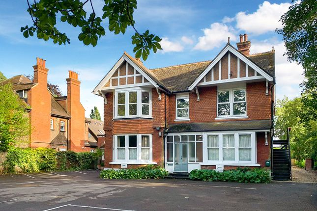4 bed flat for sale in Massetts Road, Horley, Surrey RH6