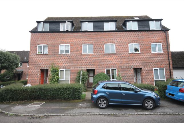 Thumbnail Maisonette for sale in Crawford Place, Newbury