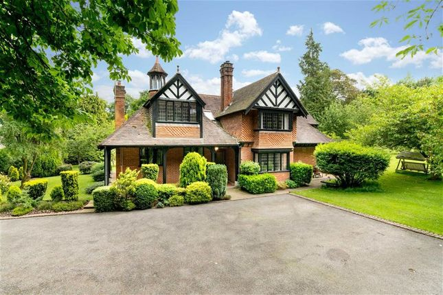 Thumbnail Detached house for sale in Park Road, Tring