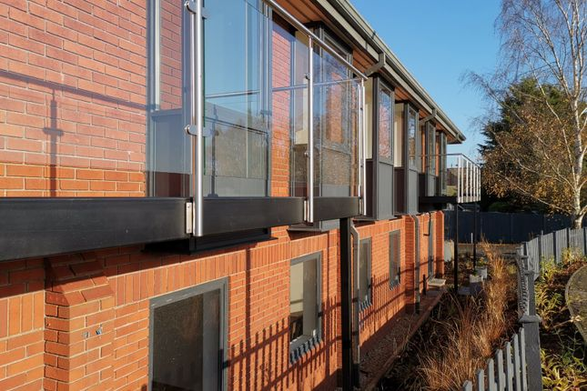 Thumbnail Flat for sale in Milton House, Station Yard, Thame, Oxfordshire