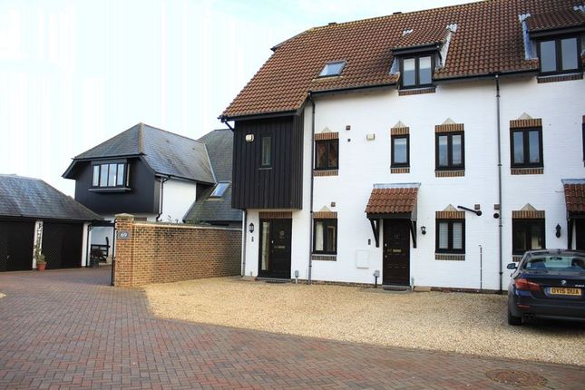 3 bed terraced house for sale in Endeavour Way, Hythe, Southampton