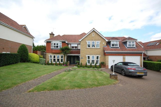 Thumbnail Detached house for sale in Poets Gate, Cheshunt, Waltham Cross