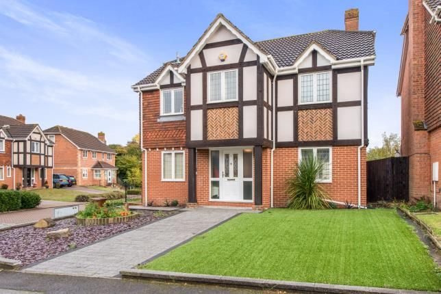 Thumbnail Detached house for sale in Richborough Drive, Strood, Rochester, Kent