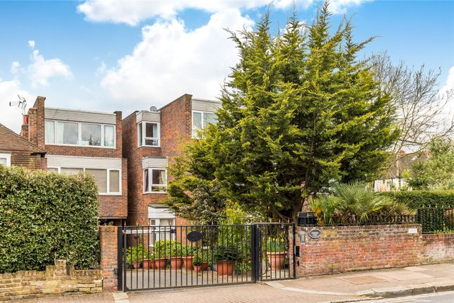 2 bed flat for sale in Melrose Road, London SW18