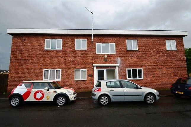 Thumbnail Flat to rent in Manor Way, Deeping St James, Peterborough