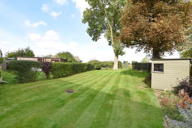 Flat for sale in Orchard Way, Middle Barton
