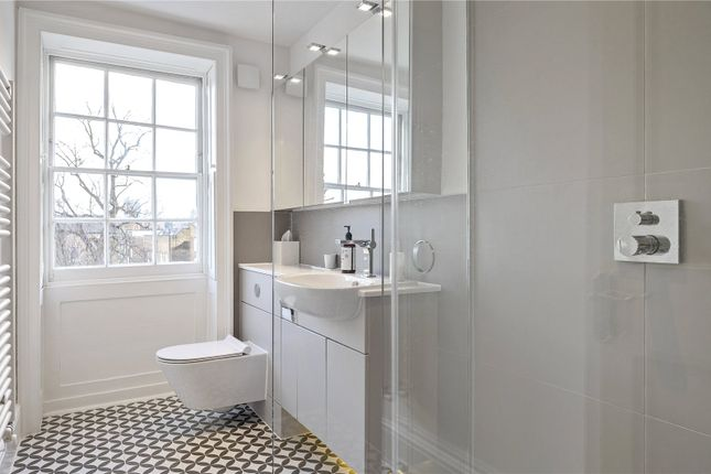 Shower Room of Colebrooke Row, London N1