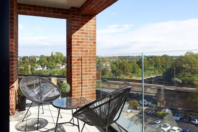 Thumbnail Flat to rent in St. Marks Road, Bromley