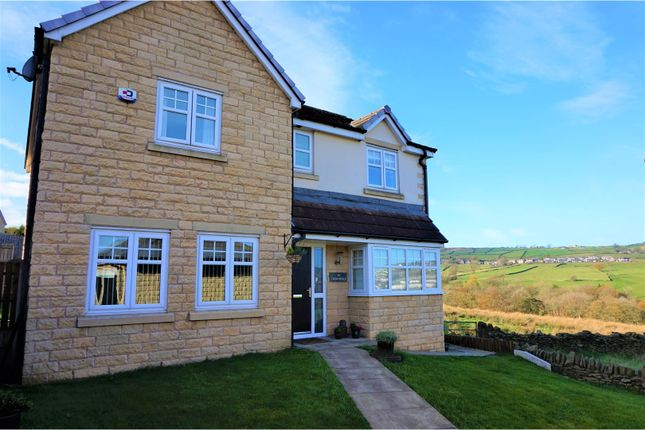 4 bed detached house for sale in Low Fell Close, Keighley