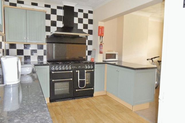 Thumbnail Semi-detached house to rent in Chailey Road, Brighton