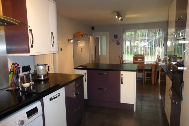 Thumbnail Flat for sale in Wilkie Close, Scunthorpe