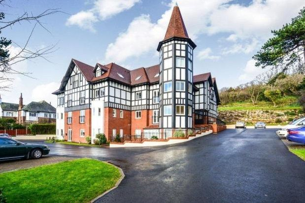 Thumbnail Flat to rent in Llandudno