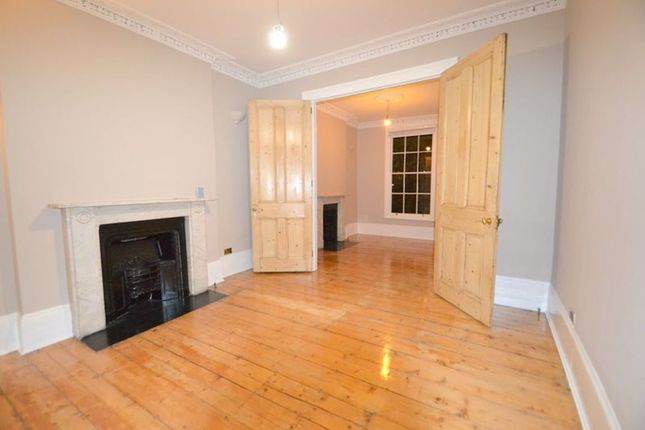 Thumbnail Flat to rent in Gloucester Crescent, Camden, London