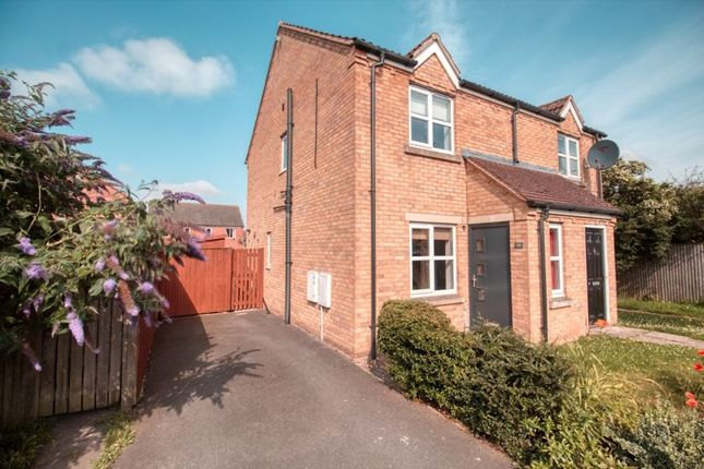 Thumbnail Semi-detached house to rent in Dean Road, Scunthorpe