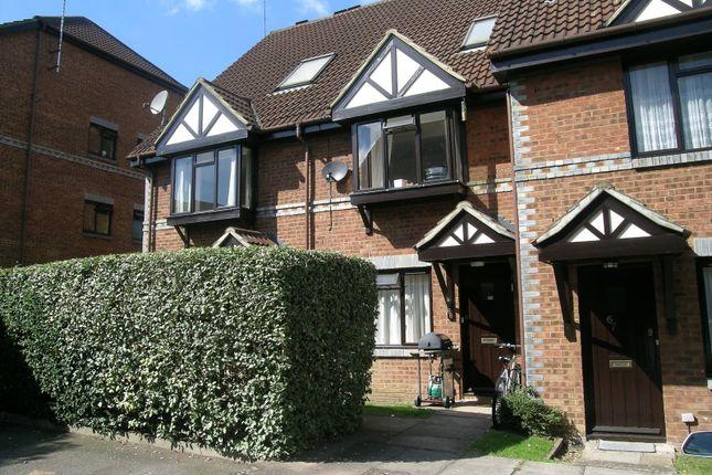 Maisonette to rent in Tintagel Way, Oriental Road