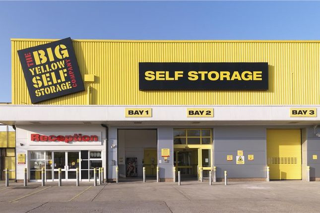 Thumbnail Warehouse to let in Wyvern Estate, Beverley Way, New Malden