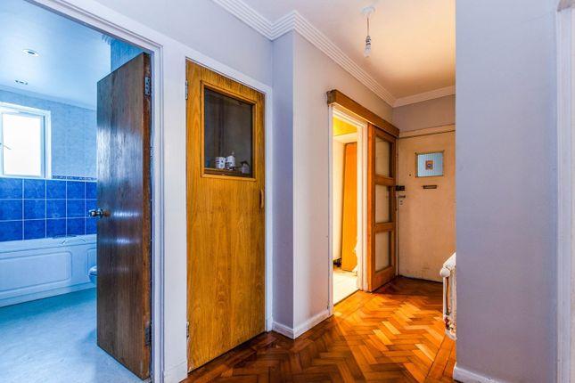Hallway of Broughton Road, Ealing W13