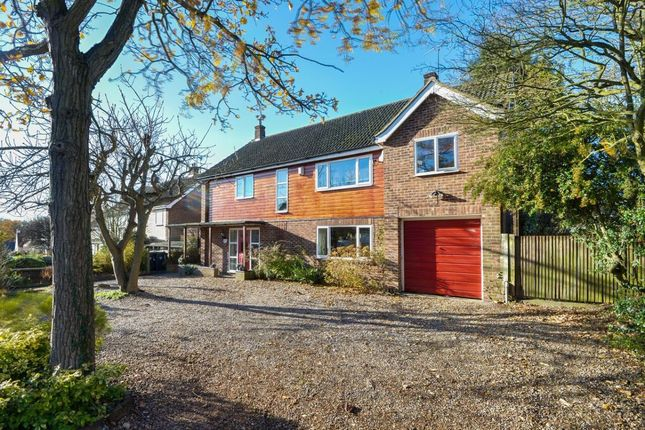 Thumbnail Detached house for sale in Springfields, Dunmow