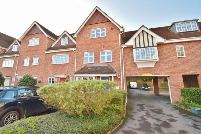 Thumbnail Town house for sale in Foundry Close, Hook