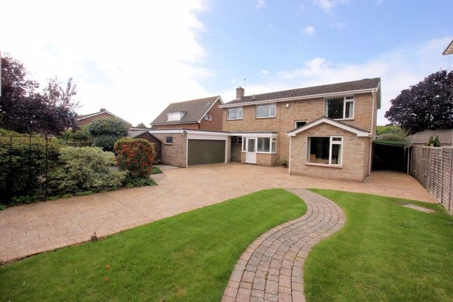 Thumbnail Detached house for sale in Catisfield Lane, Catisfield, Fareham