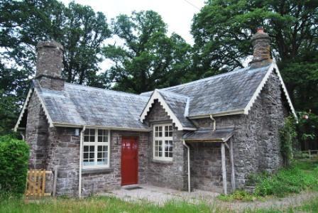 Thumbnail Cottage to rent in Abercamlais, Brecon