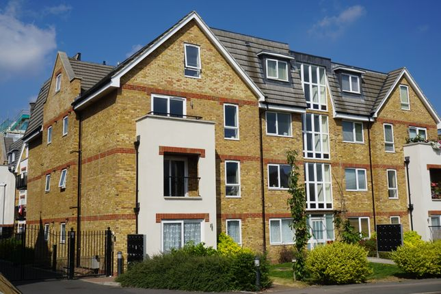 Thumbnail Flat to rent in Hatherley Road, Sidcup