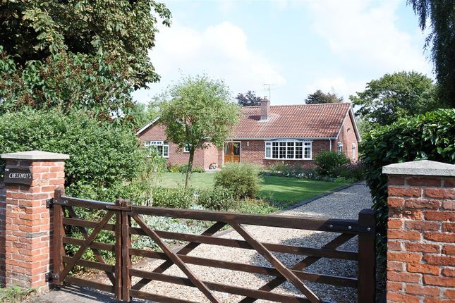 Thumbnail Detached bungalow for sale in Town Street, Westborough, Newark