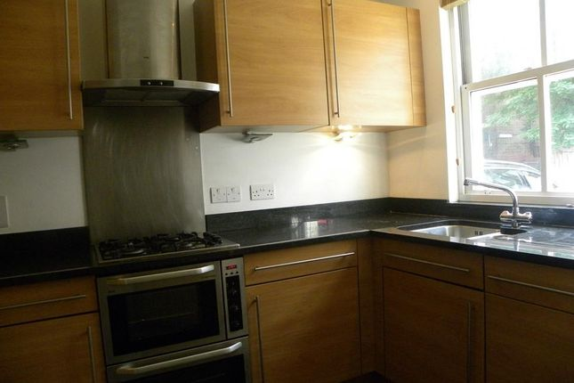 Thumbnail Town house to rent in Morecambe Street, London
