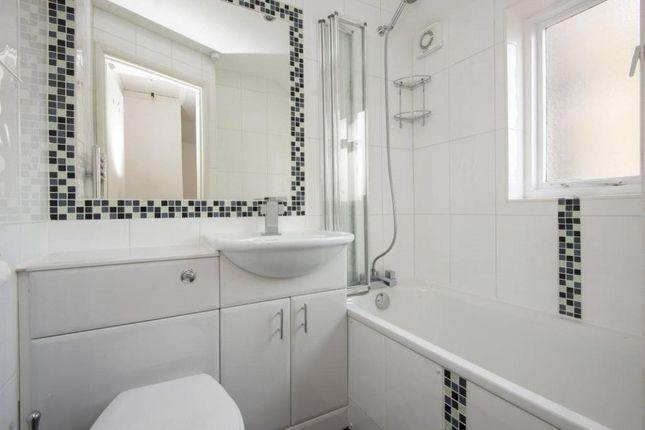Bathroom of Ashenden Road, London E5