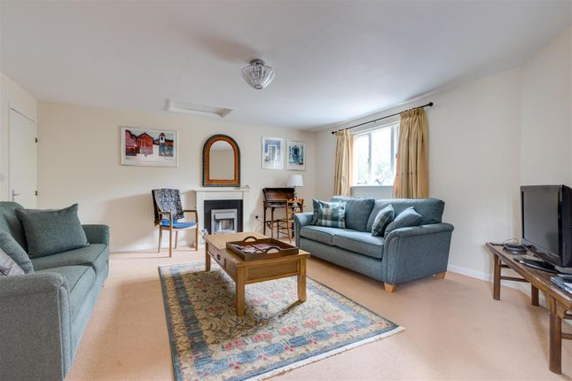 Thumbnail Flat for sale in Old Market Way, Moreton-In-Marsh, Gloucestershire