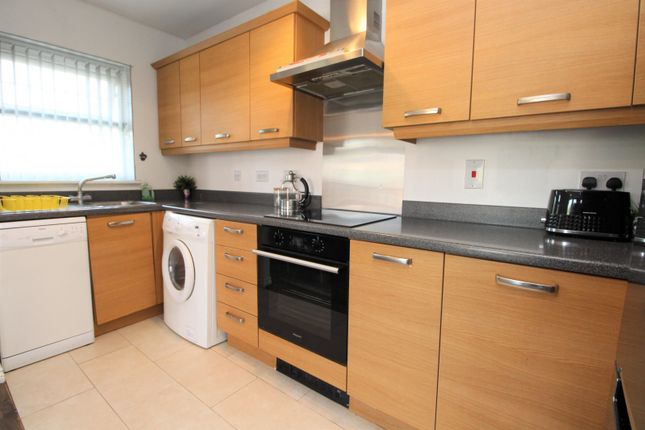 Kitchen of Stonemere Drive, Radcliffe M26