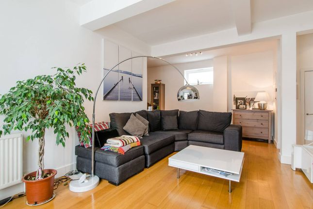 Thumbnail Flat to rent in Anchor Mews, Clapham South