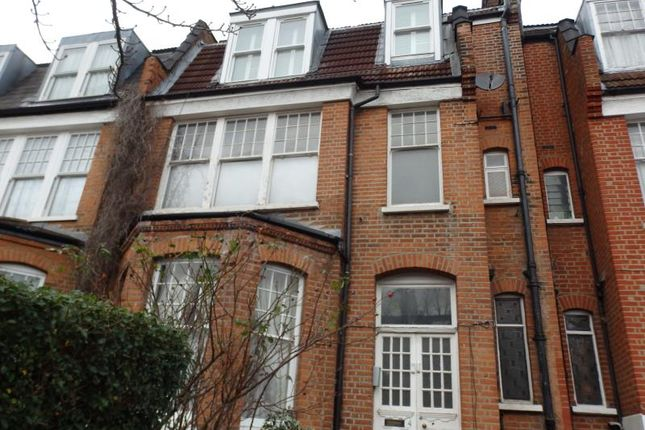 Thumbnail Flat to rent in Fairfield Road, Crouch End