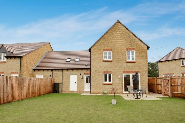 Thumbnail Detached house for sale in Spring Field Way, Sutton Courtenay, Abingdon