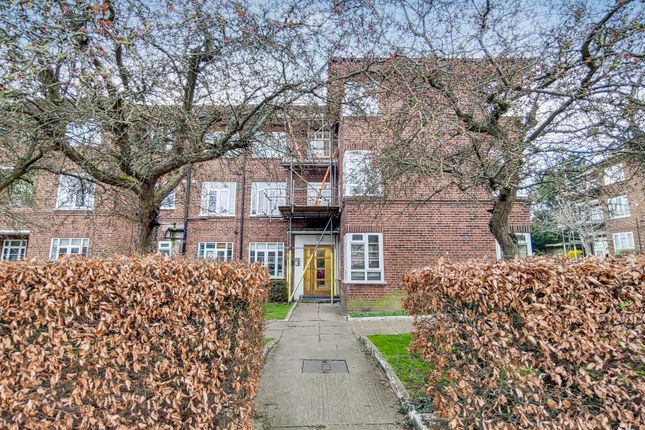 Thumbnail Flat for sale in Kings Drive, Wembley