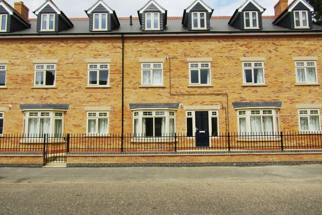Thumbnail Flat to rent in Silver Street, Peterborough