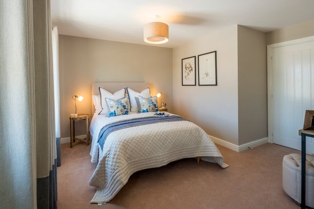 Thumbnail Terraced house for sale in Shorncliffe Height, Folkestone, Kent