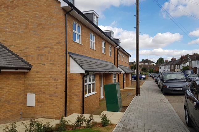 Thumbnail Maisonette to rent in Ebberns Road, Hemel Hempstead