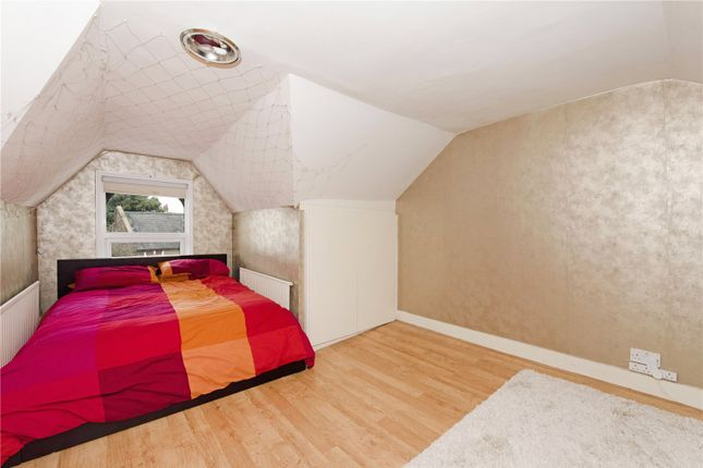 Thumbnail Maisonette to rent in Chesire Road, Bowes Park, London