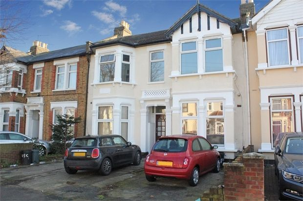 Thumbnail Flat for sale in Empress Avenue, Ilford, Essex