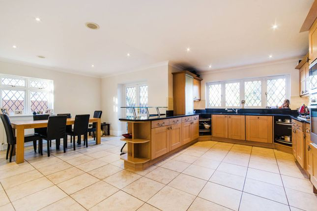 Thumbnail Property to rent in Hillview Road, Hatch End