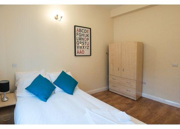 Thumbnail Flat to rent in Camden High Street, London