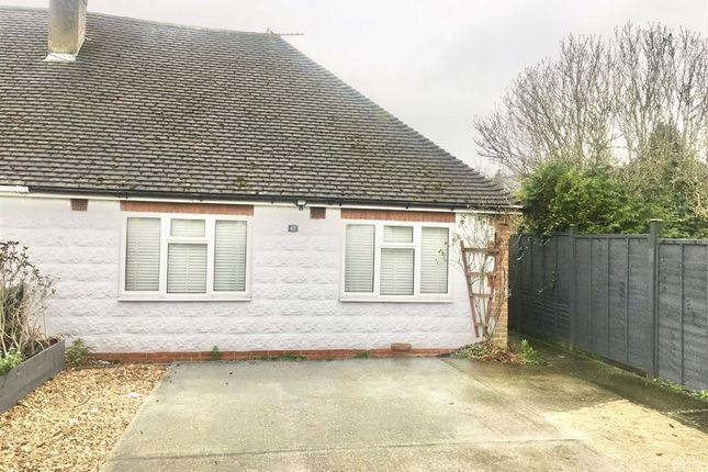 2 bed semi-detached bungalow to rent in Istead Rise, Gravesend DA13