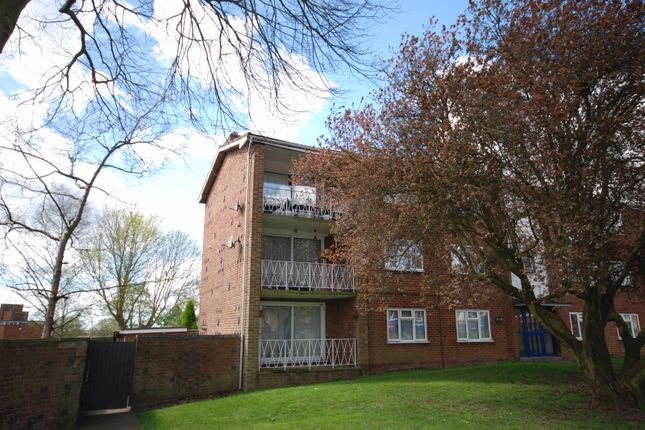 Flat to rent in Crown Way, Leamington Spa