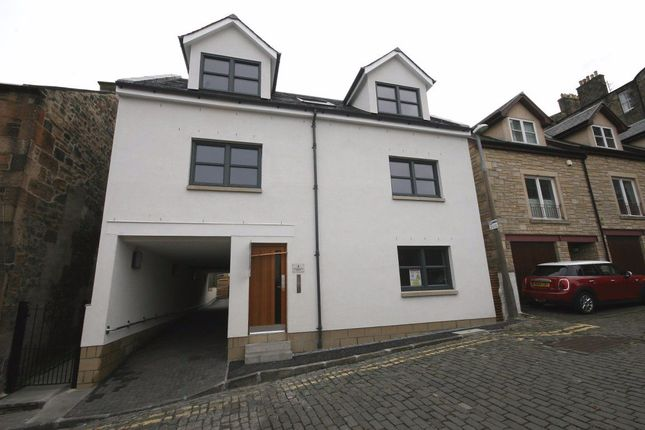 Thumbnail 1 bed flat to rent in South Gayfield Lane, New Town, Edinburgh