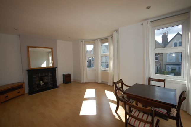Thumbnail Flat to rent in Parkhurst Road, New Southgate
