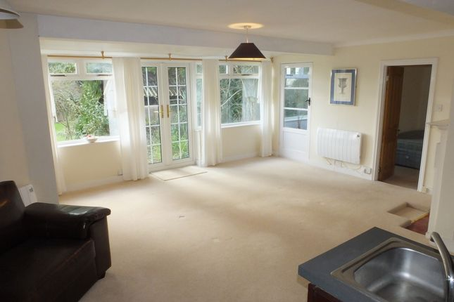 Thumbnail Flat to rent in Offham Road, Lewes