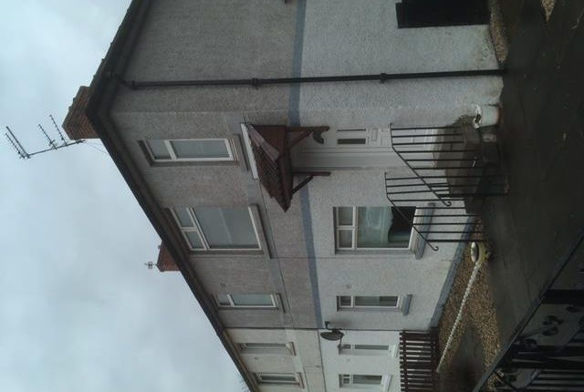 Thumbnail Flat to rent in 42 Oakfield Rd Motherwell 1Xr, Motherwell