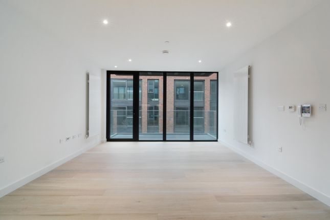 Thumbnail Flat to rent in Echo Court, Royal Wharf, London