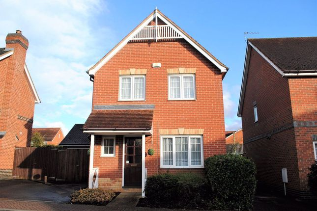 3 bed property to rent in Luxford Place, Sawbridgeworth CM21